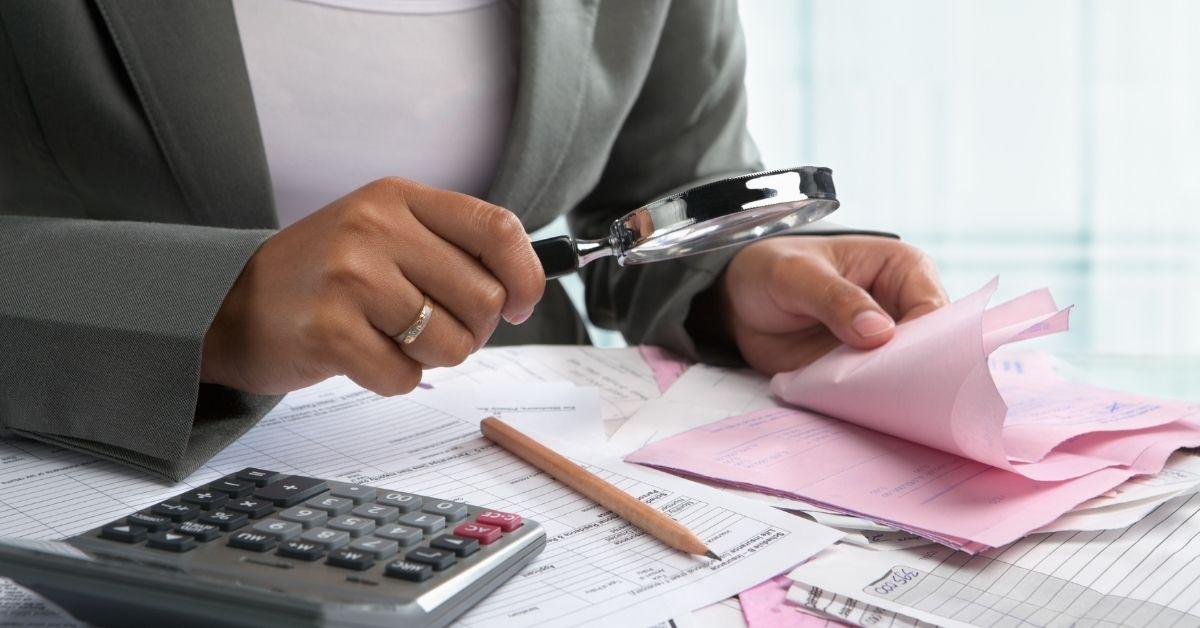 Jak rozliczyć opłaty posprzedaży mieszkania?